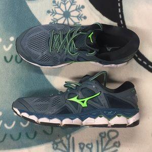 Mens Mizuno Wave Sky 2 Sneakers